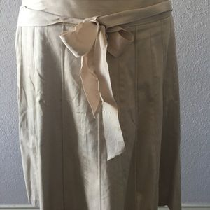 Whbm cream skirt Size 12